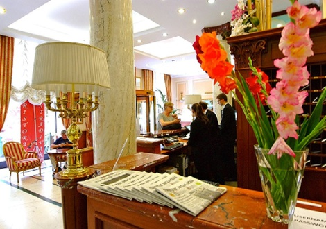 reception Hotel Andreola Central Milano